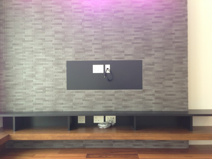 TV壁掛け部 配線取出し 例1